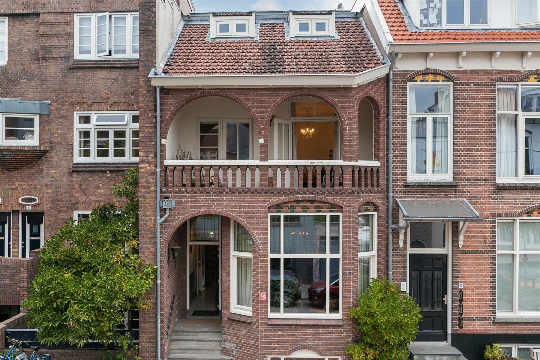 Bekijk foto 2 van Admiraal van Gentstraat 39