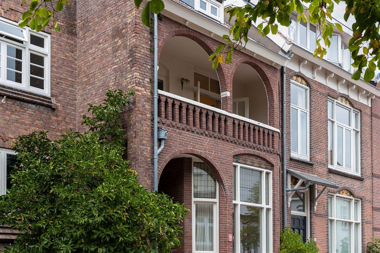 Bekijk foto 3 van Admiraal van Gentstraat 39