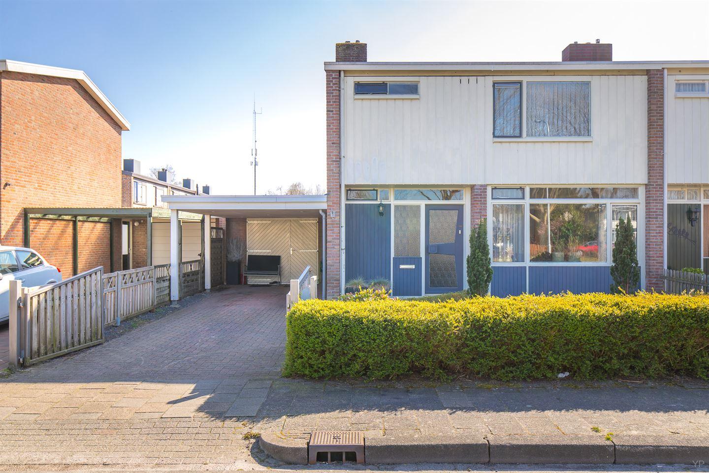 View photo 2 of Vijverstraat 15