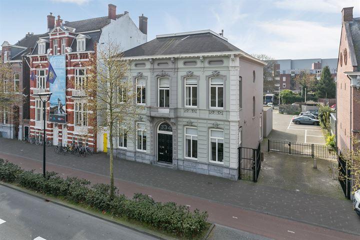 Spoorlaan 334, Tilburg
