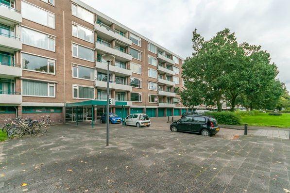 Bekijk foto 1 van Burgemeester Caan van Necklaan 516
