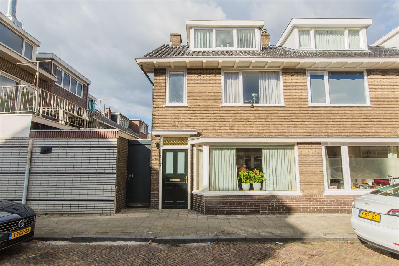 Bekijk foto 1 van Van Lippe Biesterfeldstraat 1