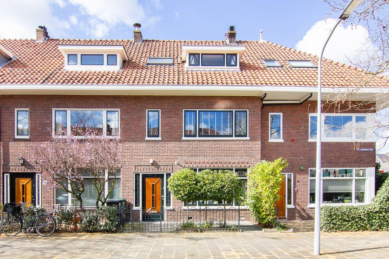 Bekijk foto 1 van H.J. Koenenstraat 4