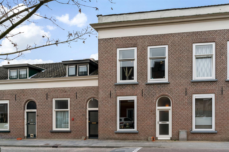 Bekijk foto 2 van Hoogendijkstraat 26