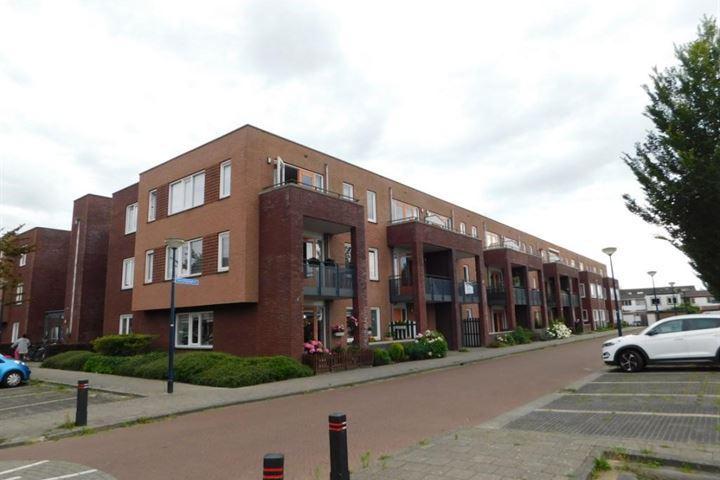 B.G.J. Berntzenstraat 69