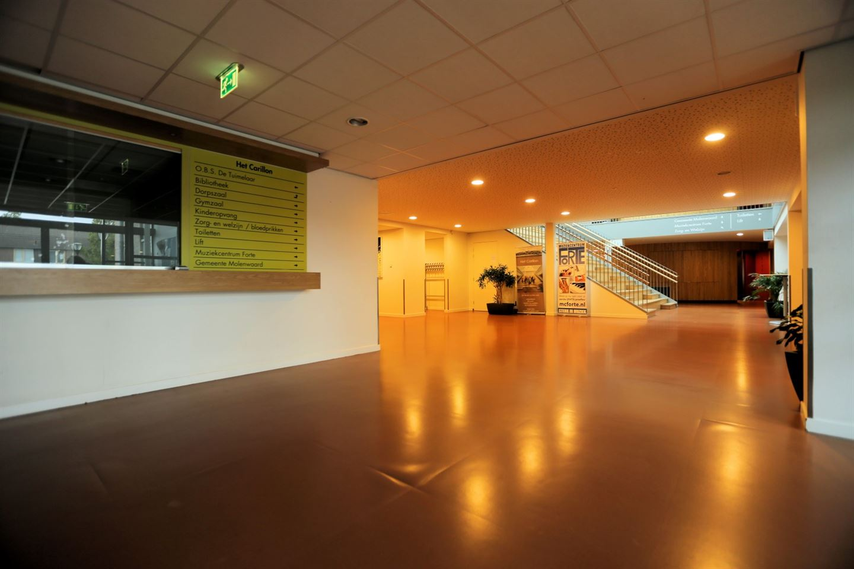 Bekijk foto 2 van Raadhuisplein 1