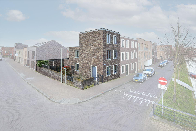 Bekijk foto 1 van Huizenkade 74