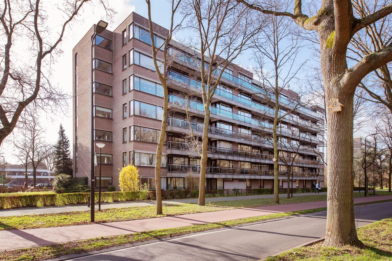 Bekijk foto 1 van Dr H. Colijnlaan 2