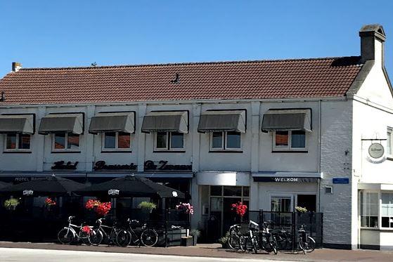 Bekijk foto 2 van Prinses Beatrixstraat 1