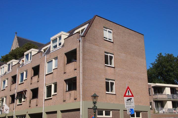 Kerkstraat 82