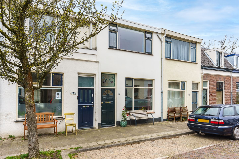 Bekijk foto 1 van Van der Mondestraat 24