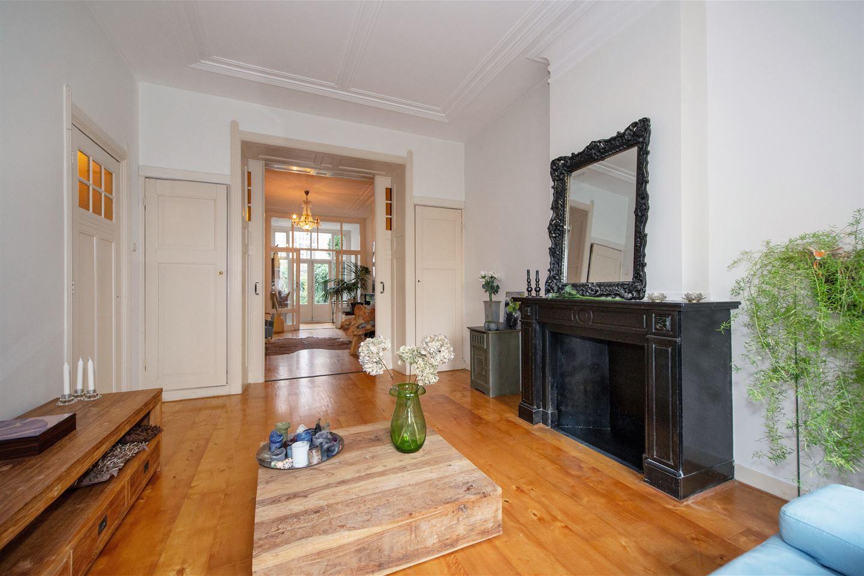 Bekijk foto 1 van Van Loostraat 144