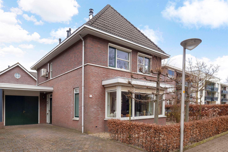 Bekijk foto 1 van Bloemstraat 7