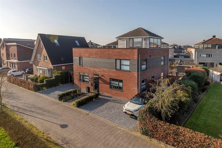 J.A.L.J. van Meertenstraat 17