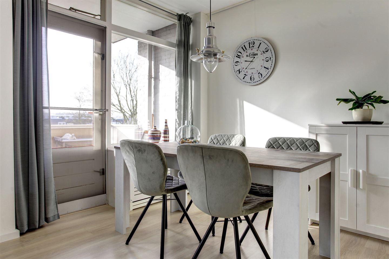 View photo 3 of Domela Nieuwenhuisstraat 3