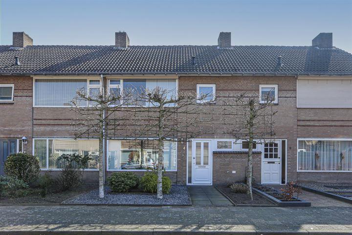 Deken van Dijkstraat 4