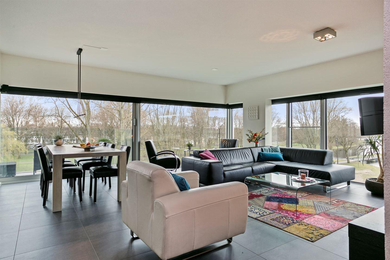 Bekijk foto 2 van Jan van Zutphenstraat 87