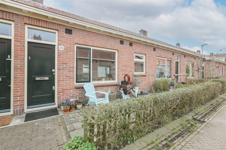 Distelvoorstraat 16