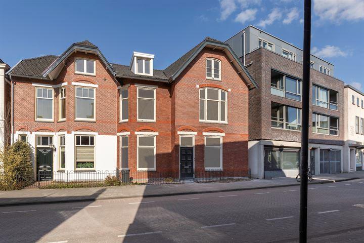 Bergstraat 3 - drie keer luxe wonen - binnenkort in de verkoop -