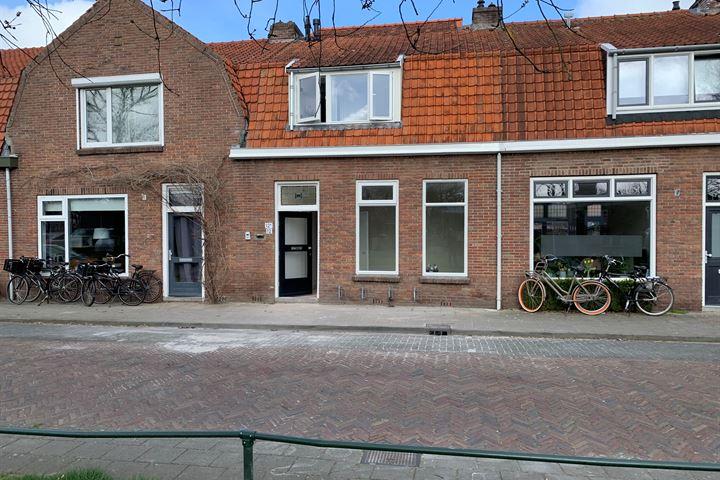 De Ruyterstraat 12