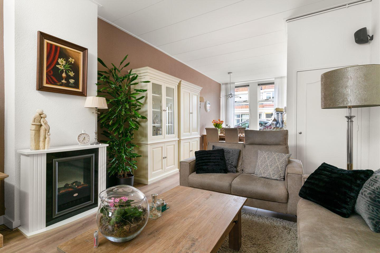 View photo 3 of Julianastraat 69