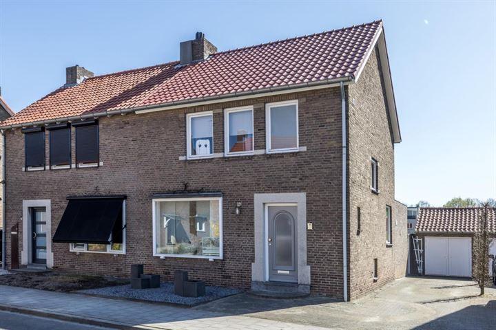 Dr. Poelsstraat 11