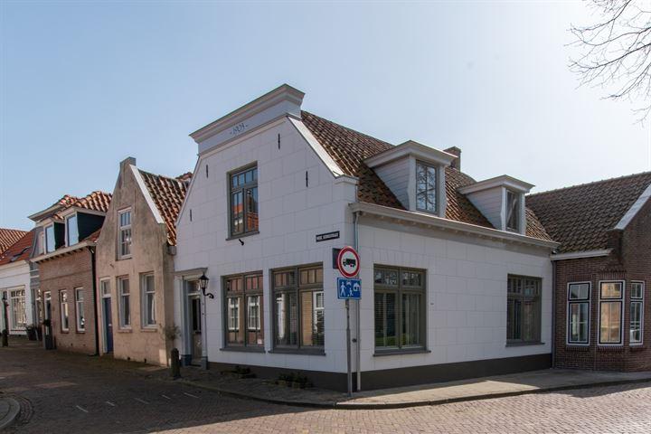 Hoge Kerkstraat 2