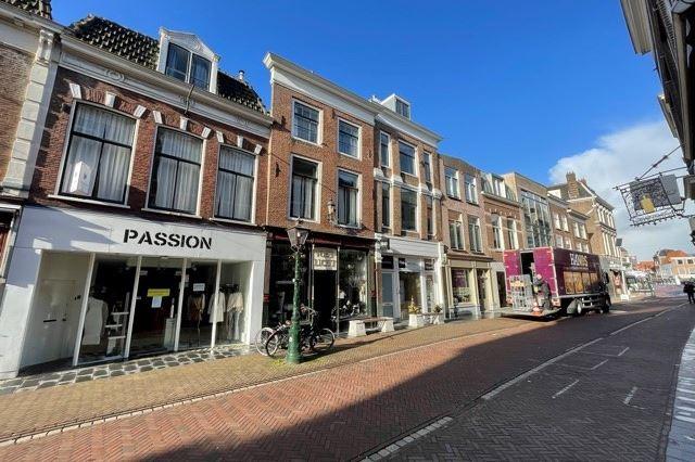Bekijk foto 3 van Haarlemmerstraat 15