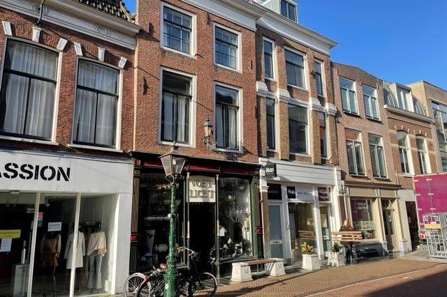 Bekijk foto 2 van Haarlemmerstraat 15