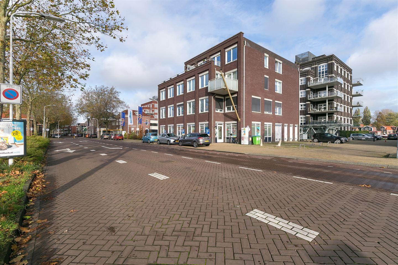 Bekijk foto 2 van Hendrick Rietschoofplein 2