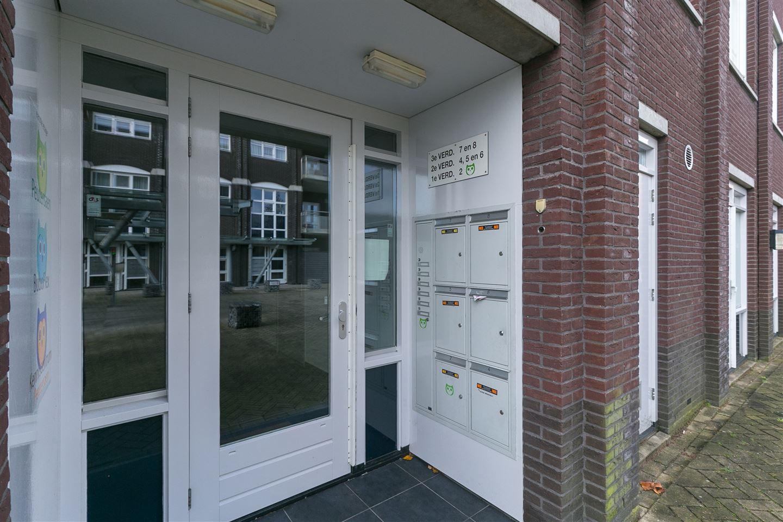 Bekijk foto 4 van Hendrick Rietschoofplein 2
