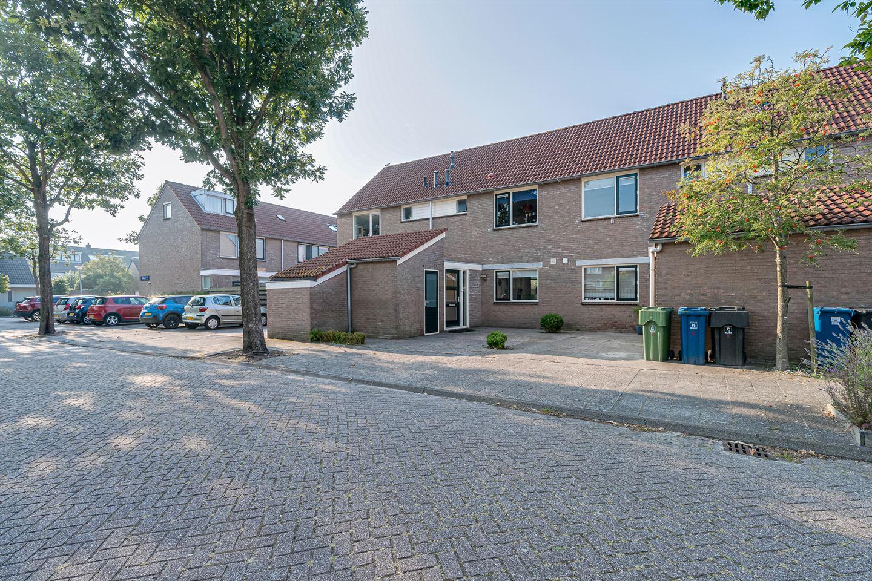 Bekijk foto 1 van Henriëtte Roland Holststraat 3