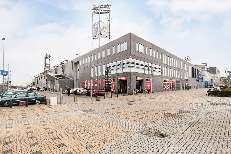 Bekijk foto 1 van Stadionplein