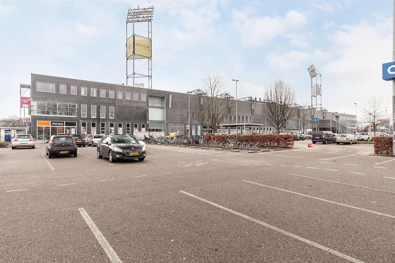 Bekijk foto 3 van Stadionplein
