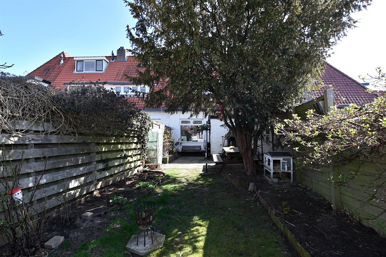 Bekijk foto 2 van Van Hoornstraat 16