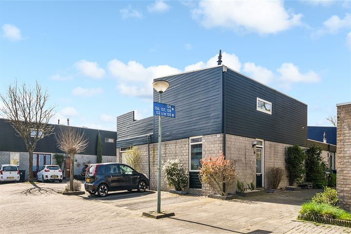 Vredenburg 136