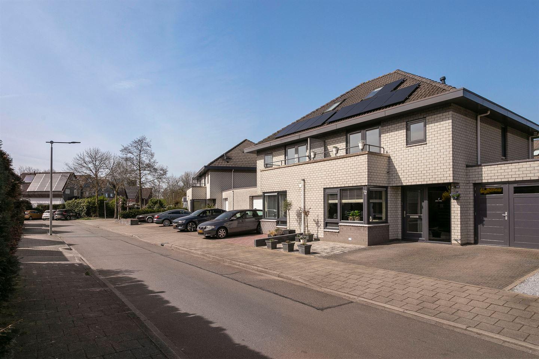 Bekijk foto 5 van Hoensbroekstraat 4