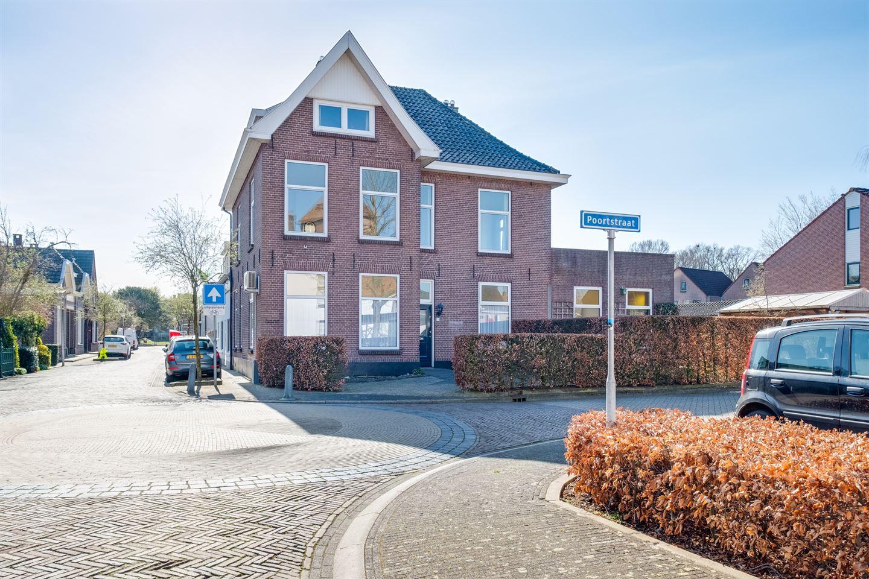 Bekijk foto 1 van Poortstraat 1