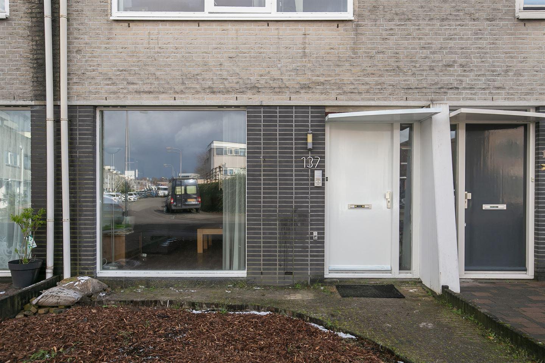 Bekijk foto 4 van Naardenstraat 137