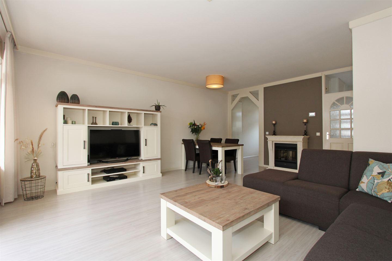 View photo 3 of Helfrichstraat 6