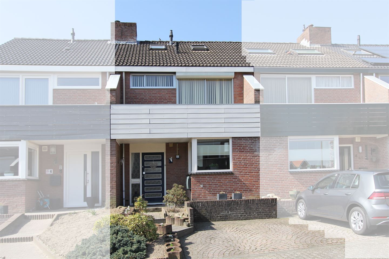 View photo 1 of Helfrichstraat 6