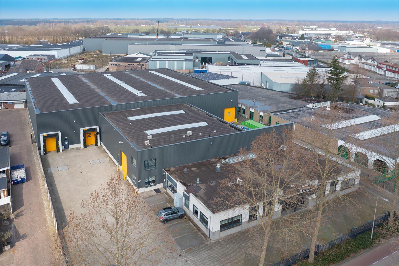 Bekijk foto 1 van Industrielaan 10