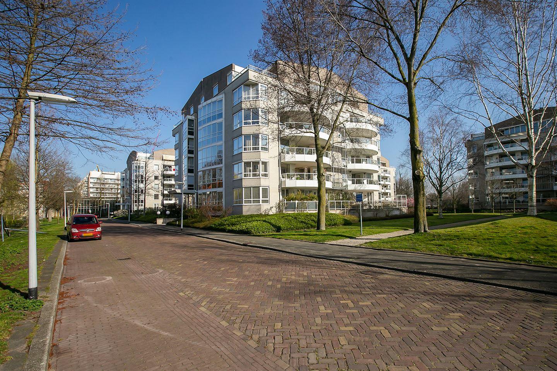 View photo 3 of Badhuislaan 7