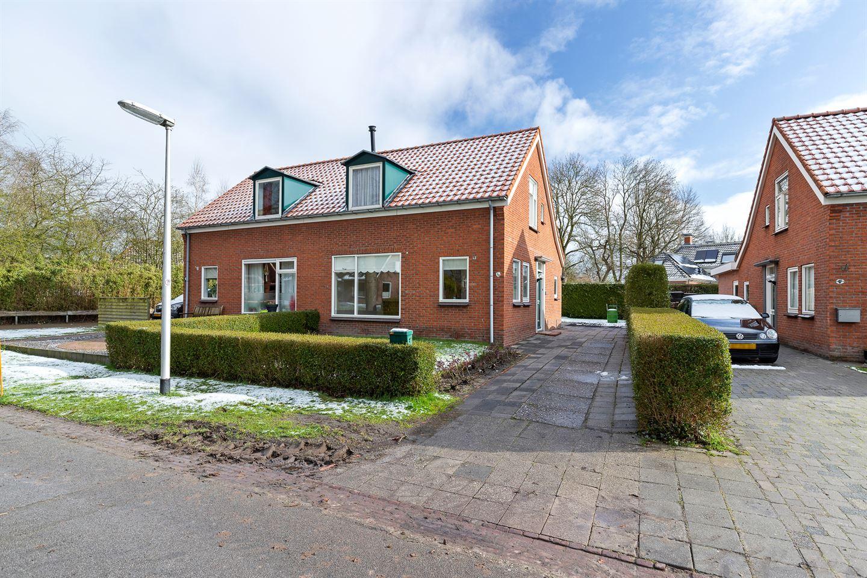 View photo 1 of Middenstraat 4