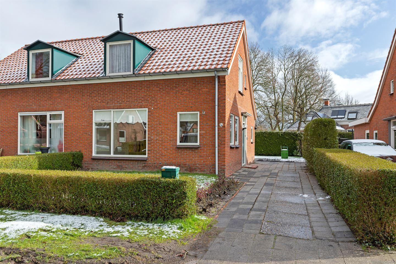 View photo 2 of Middenstraat 4