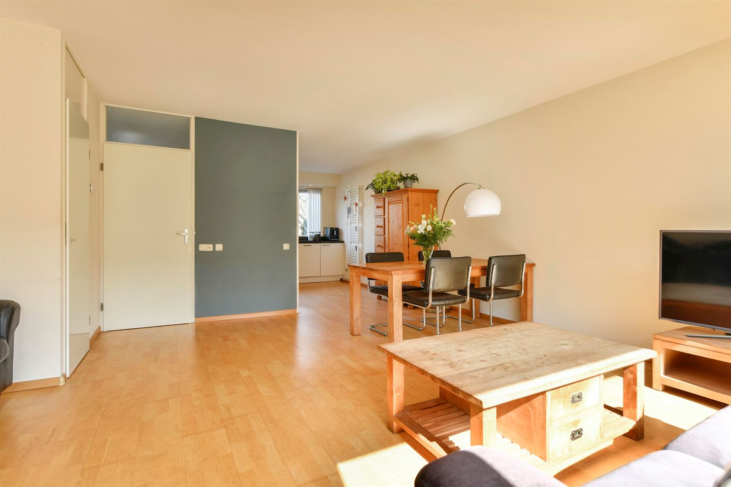 View photo 3 of De Eindhoeve 9