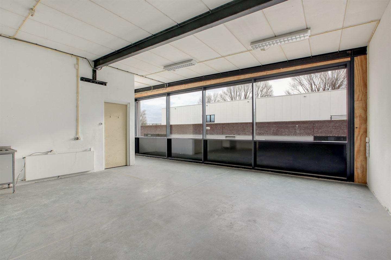 Bekijk foto 3 van Einthovenstraat 49