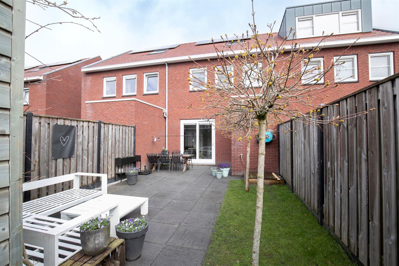 Bekijk foto 2 van Canneveltstraat 23
