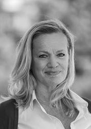 Bea Hakkeling, Adviseur Aankoop -