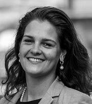Sheilah Hoenderken, Comm. Medewerker Binnendienst -